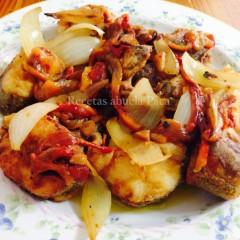 Merluza con verduras asadas