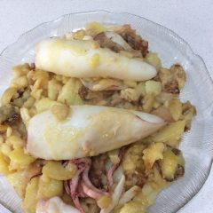 Patatas con calamares